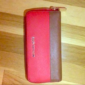 ... Pink Floral Tote Messenger Bag Michael Kors Orange and Brown Saffiano  Wallet ... 9a22cdbed2